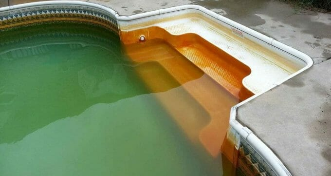 How Iron Gets Into a Pool Water