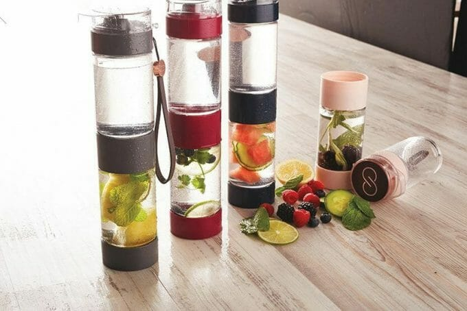 How do fruit infused water bottles work
