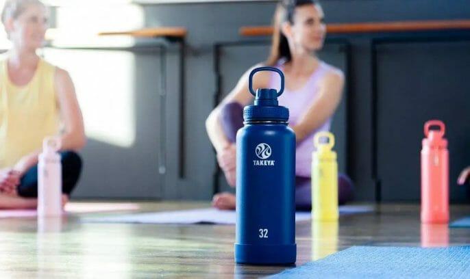 Which Bottle Should You Buy? Hydro Flask or Takeya Water Bottle
